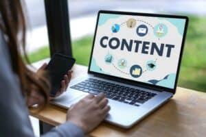 Mit unserer Content Marketing Strategie locken Sie Mandanten auf Ihre Webseite.